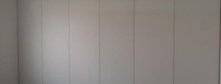 Armadio a muro laccato bianco images - Armadi a parete ...