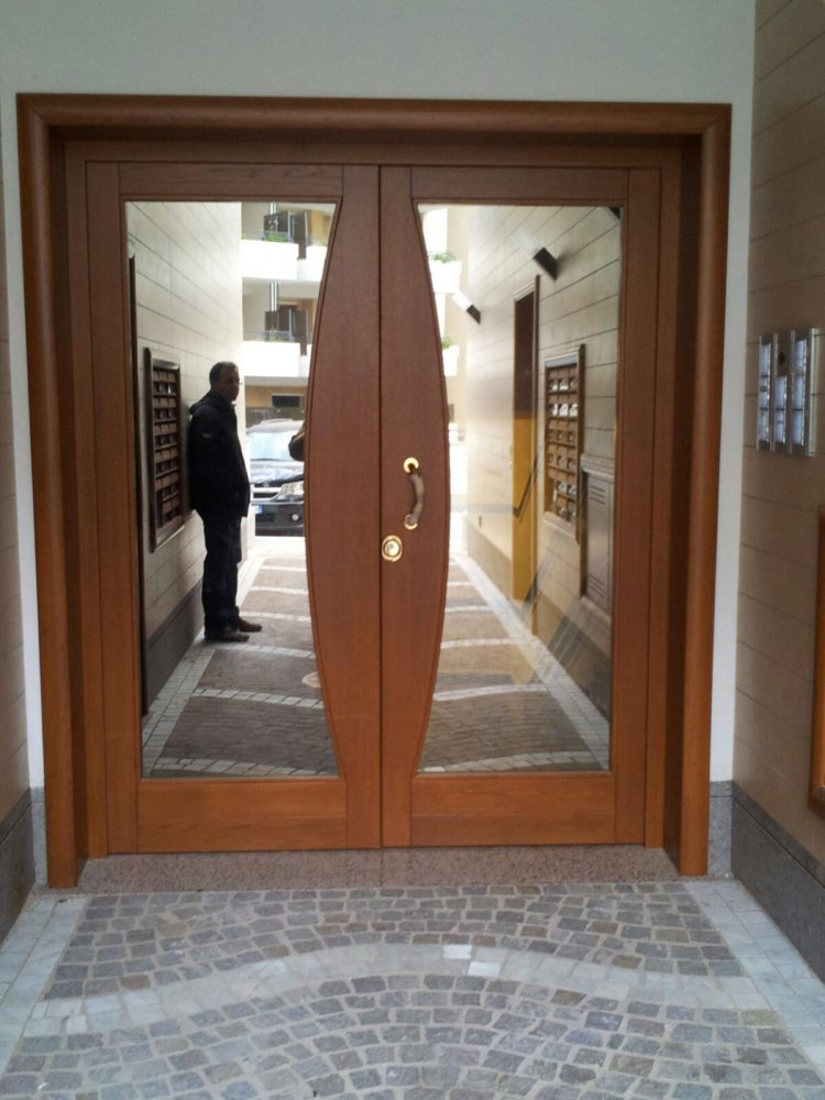 Portoni condominiali in massello su misura zona - Portoni ingresso blindati ...