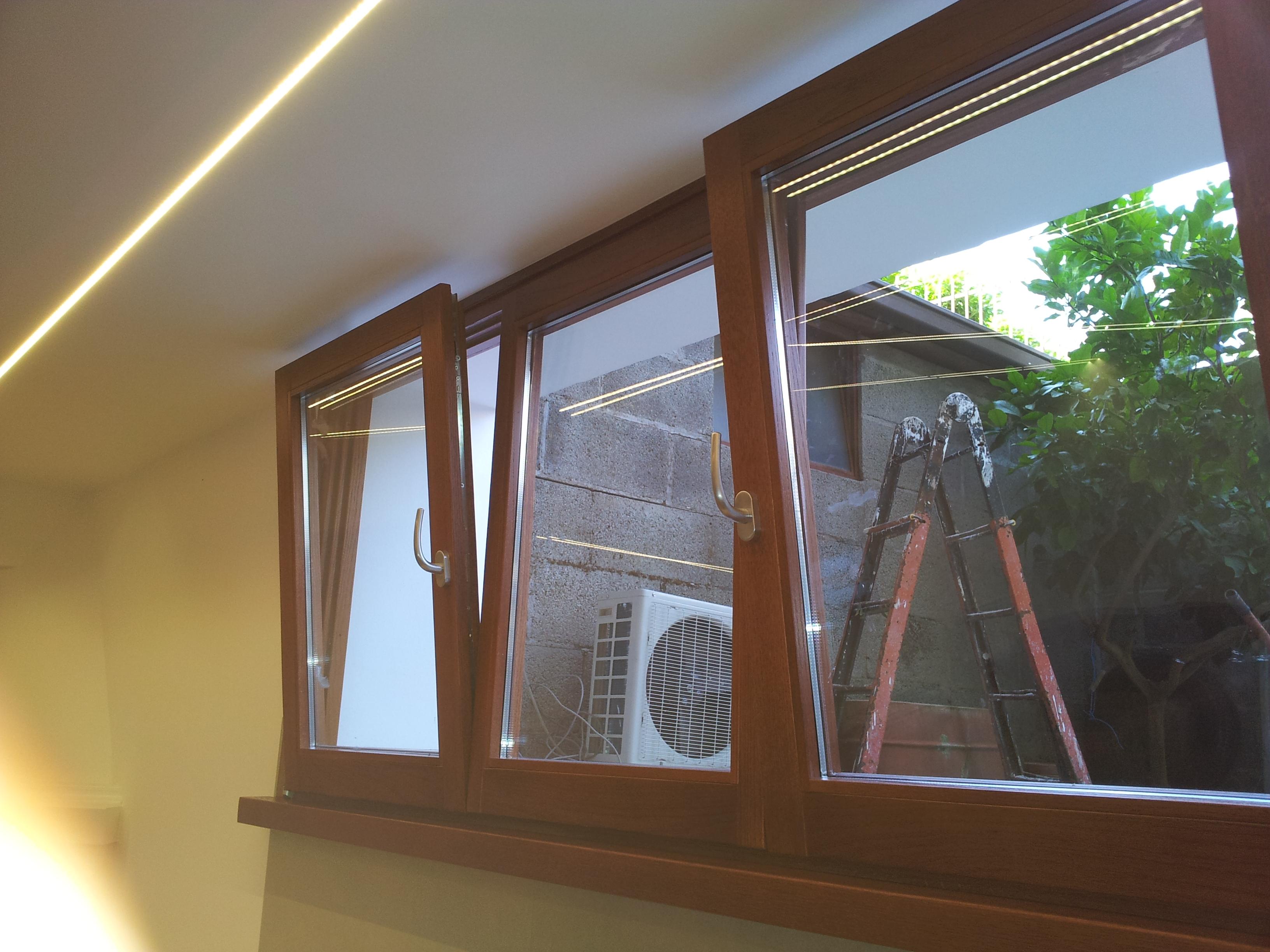 Finestre in legno lamellare di rovere finestre in legno massello falegnameria roma - Finestre di legno ...