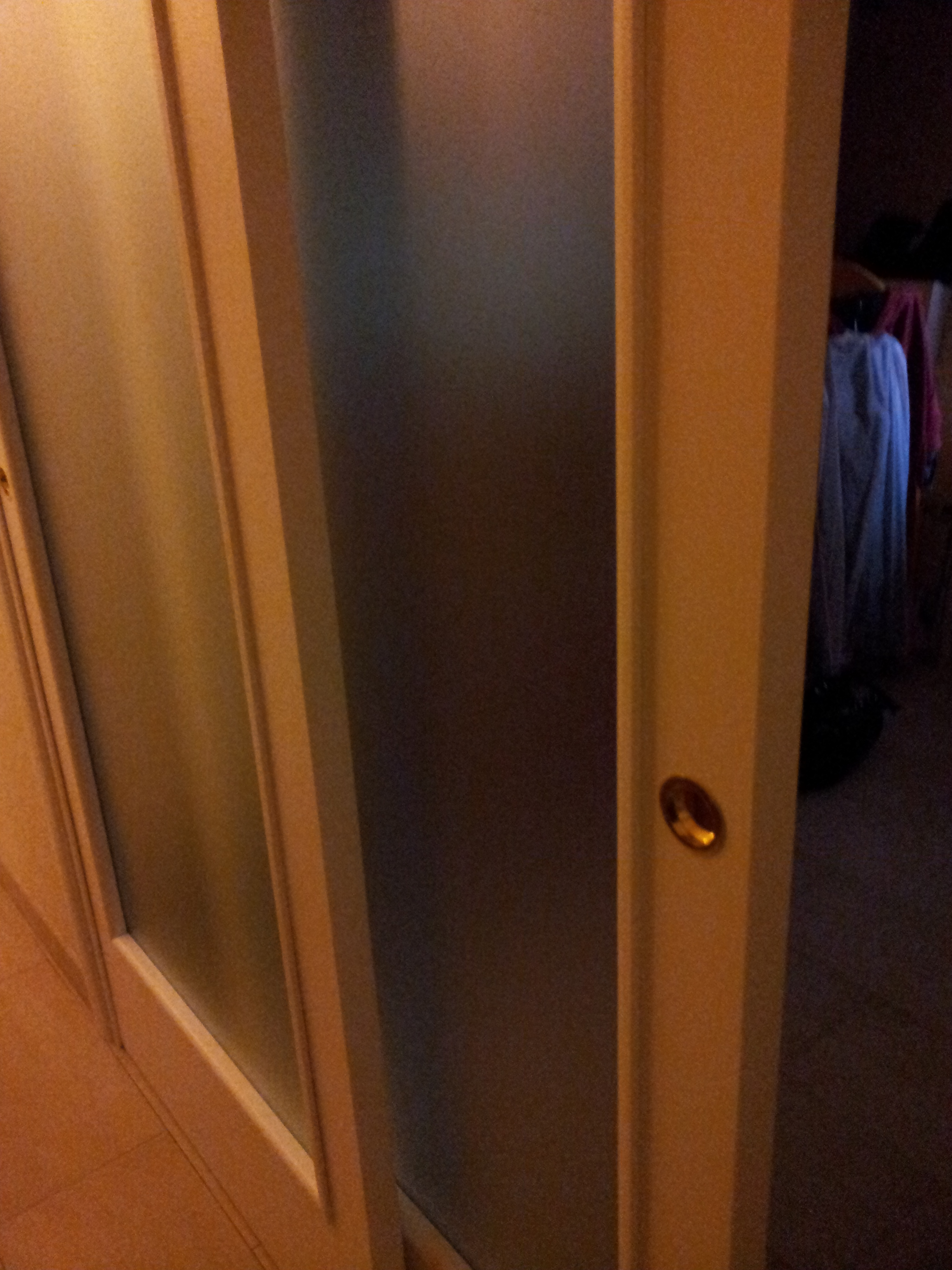 Porta in legno scorrevole a due ante porte per interni in legno massello falegnameria roma - Porta tv in muratura ...